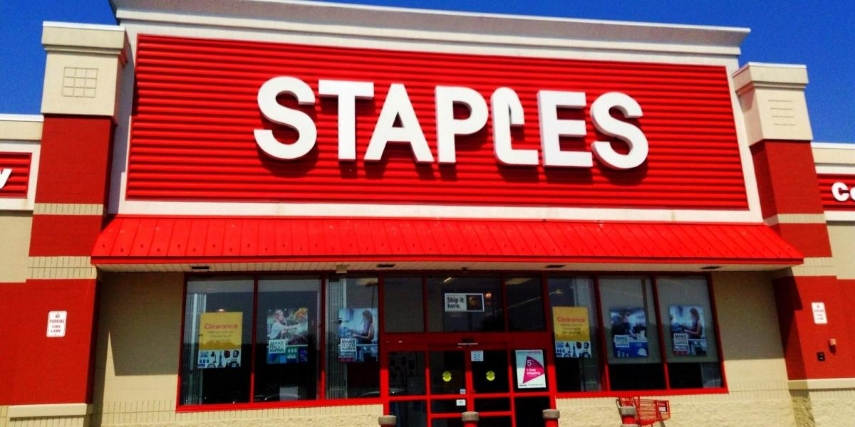 Staples closed Thanksgiving Day