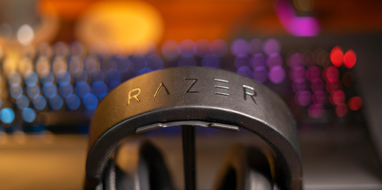 headband of Razer Kraken Ultimate
