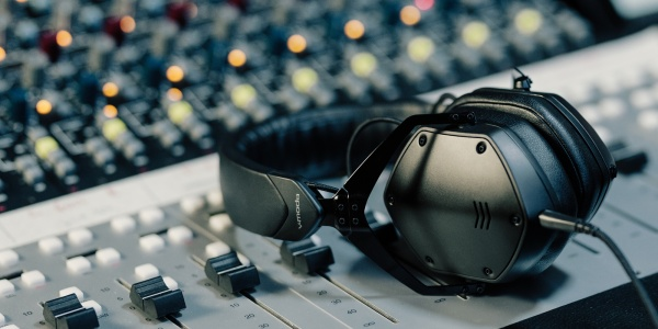 V-MODA M-200 Headphones