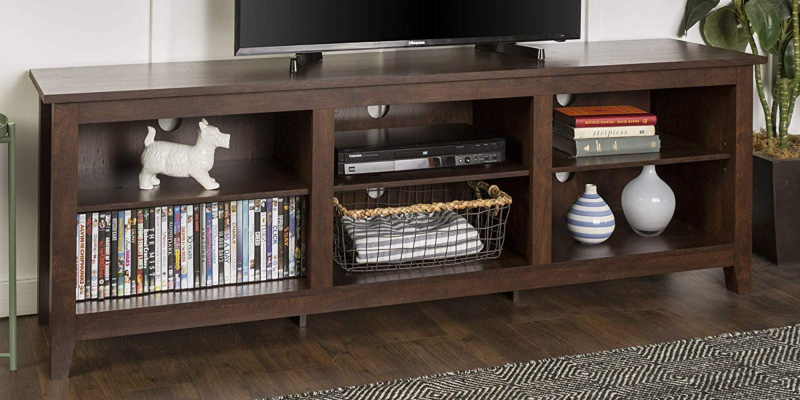 Your 78-inch Black Friday TV needs space, this minimal stand is ready at $152