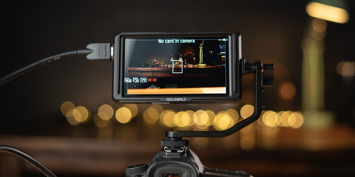 using the Feelworld F5 on-camera monitor