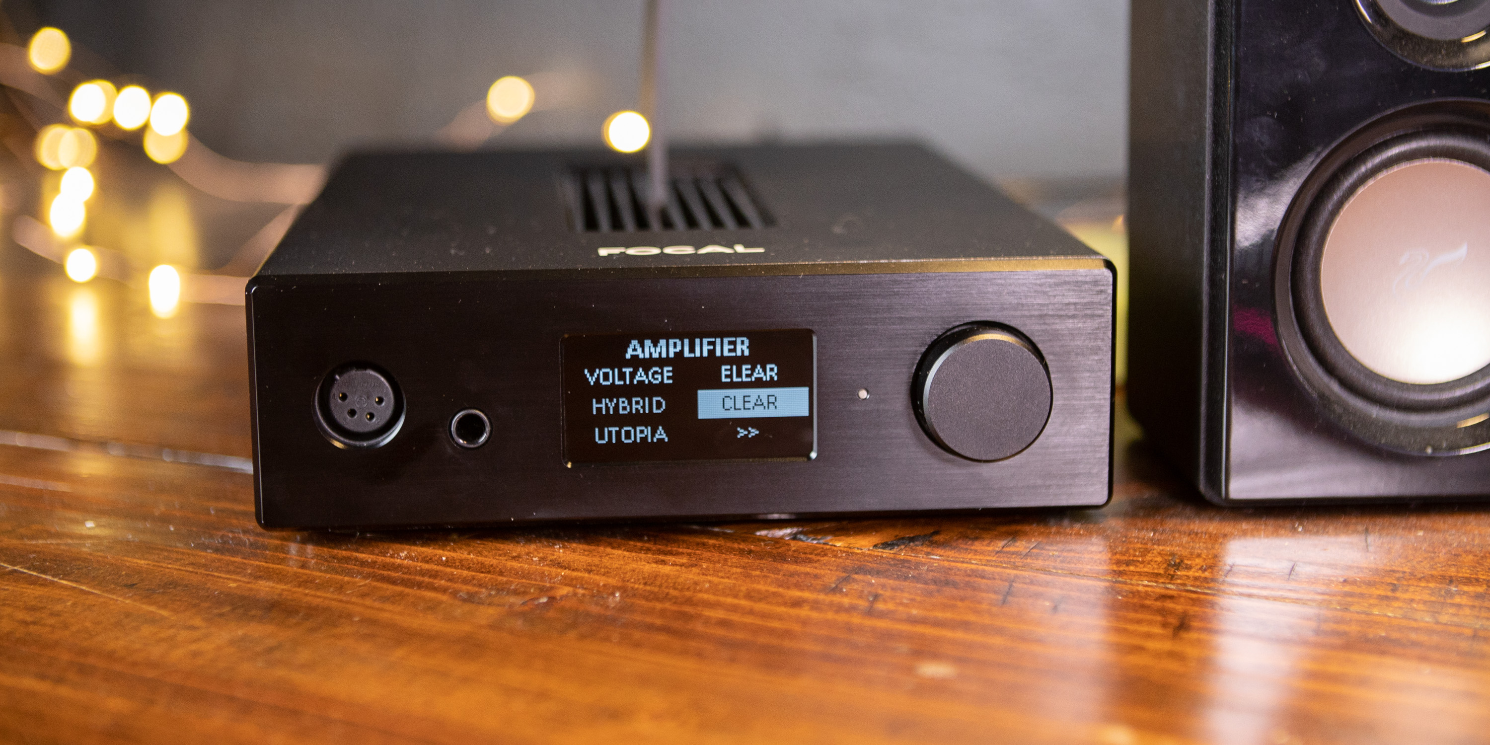 Navigating the menu of the Focal Arche headphone amp/DAC