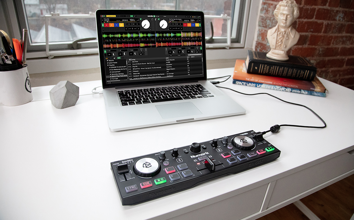 Numark DJ2GO2 Touch DJ controllers