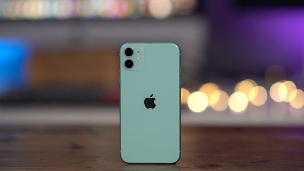 Verizon offering iPhone 11 BOGO FREE with a year of Disney+ included, more