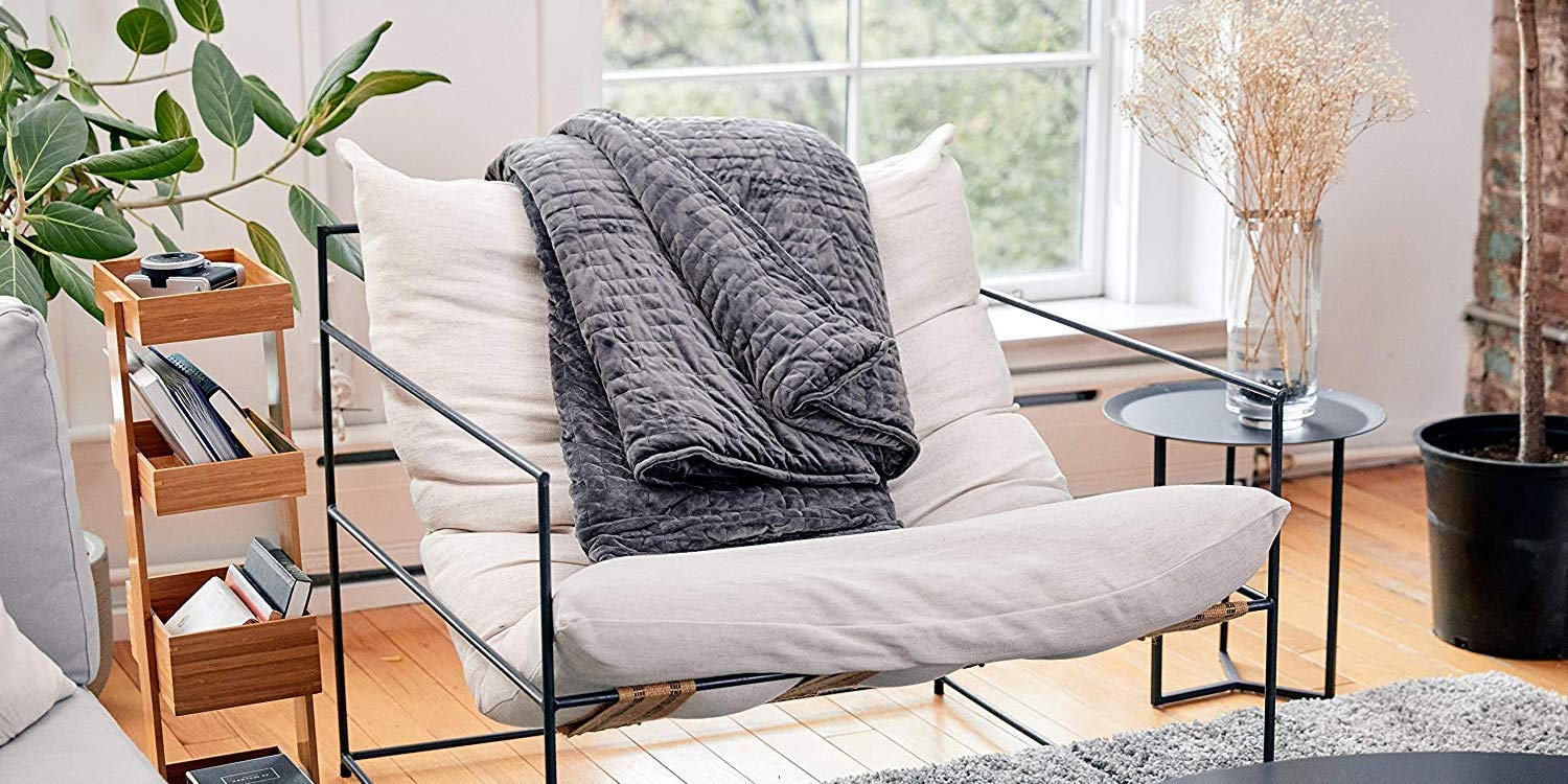 Get comfy under this 20-lb. weighted Gravity Blanket at $160 (Reg. up to $250) - 9to5Toys