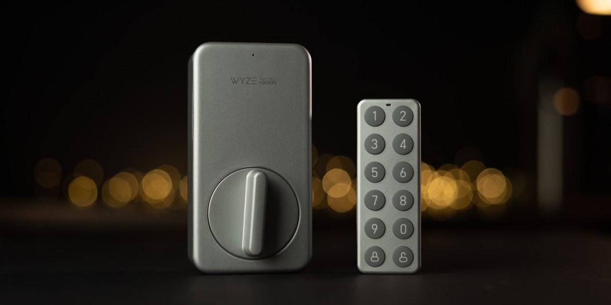 Wyze Lock and Keypad on desk