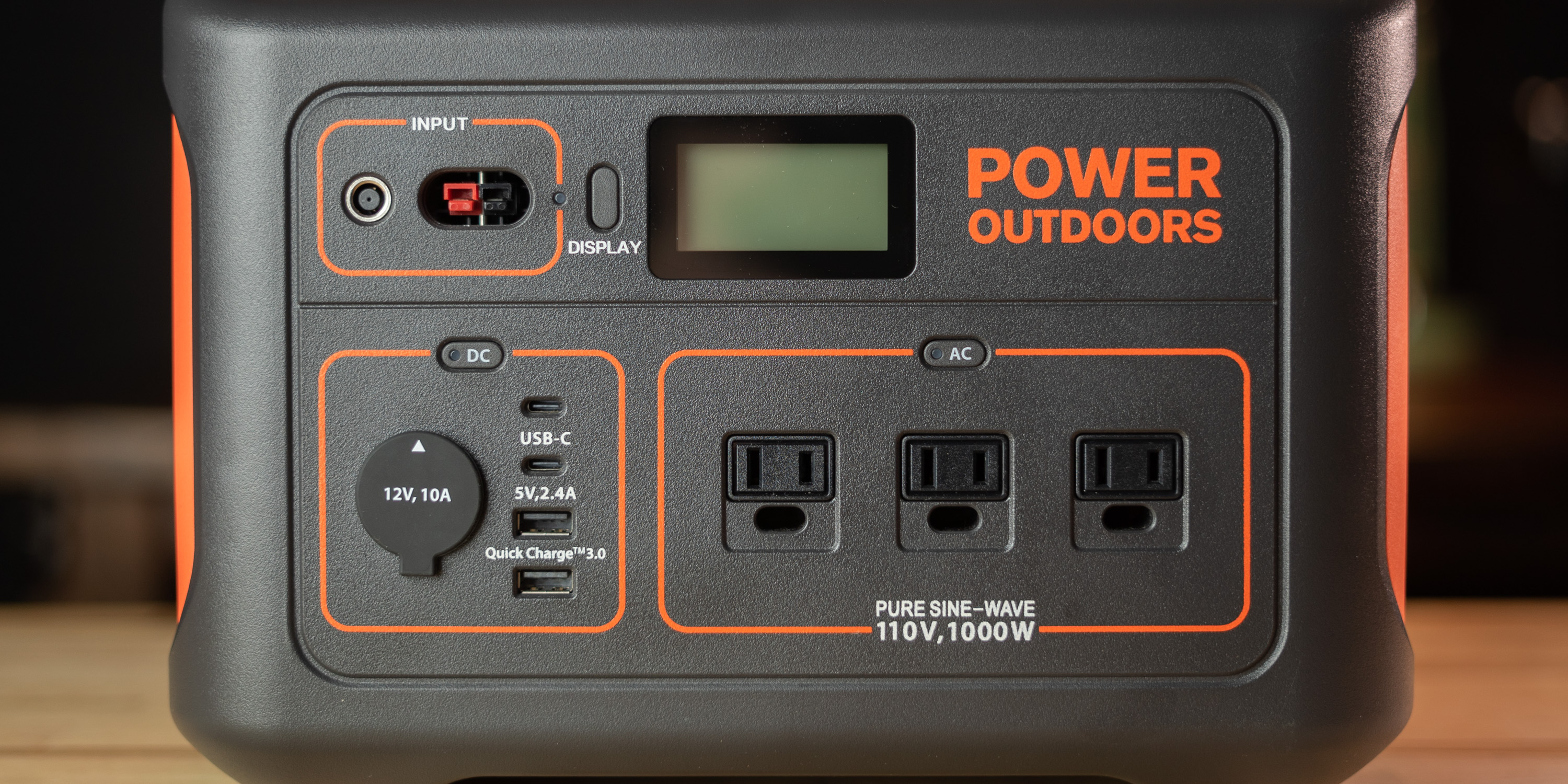 Output ports on Jackery Explorer 1000