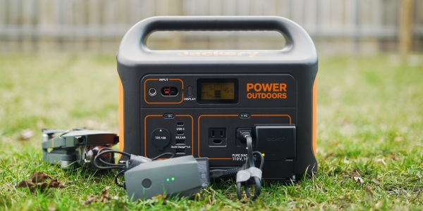Charging electronics with the Jackery Explorer 1000