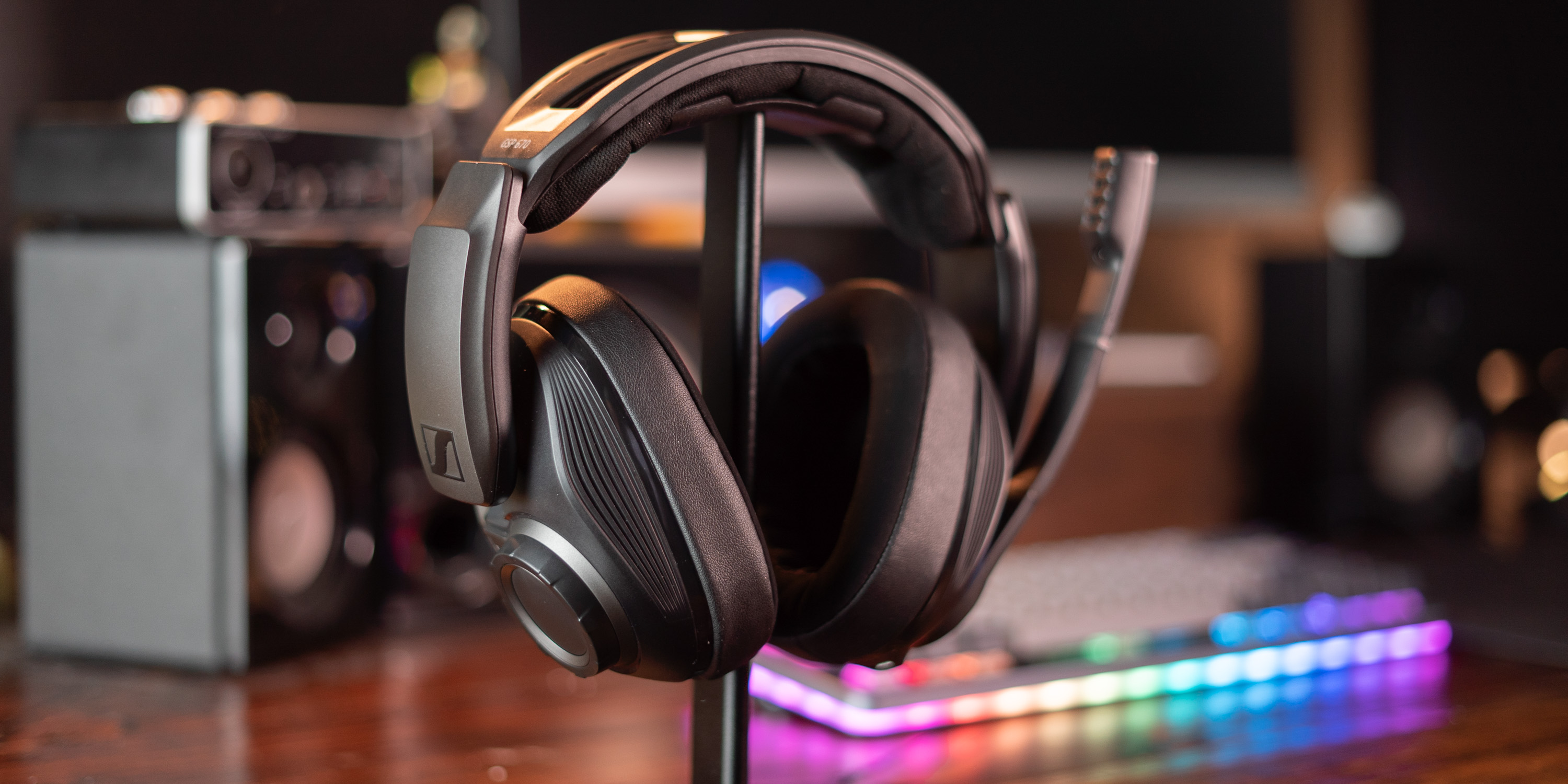 Sennheiser GSP 670 on desk