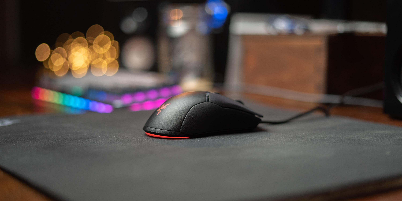 Razer Viper Mini on desk