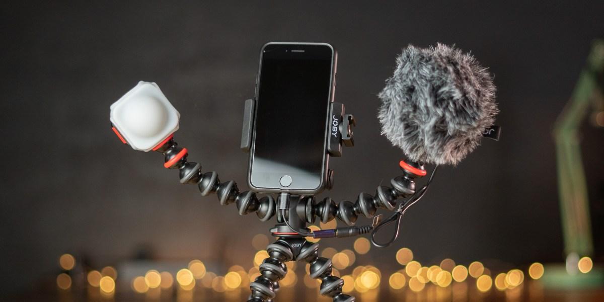 The GorillaPod Mobile Vlogging Kit set up on desk