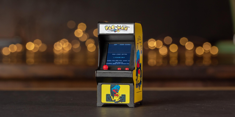 PAC-MAN Tiny Arcade Cabinet