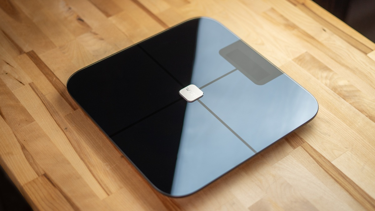 Wyze Scale on desk