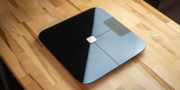 Wyze Scale on desk