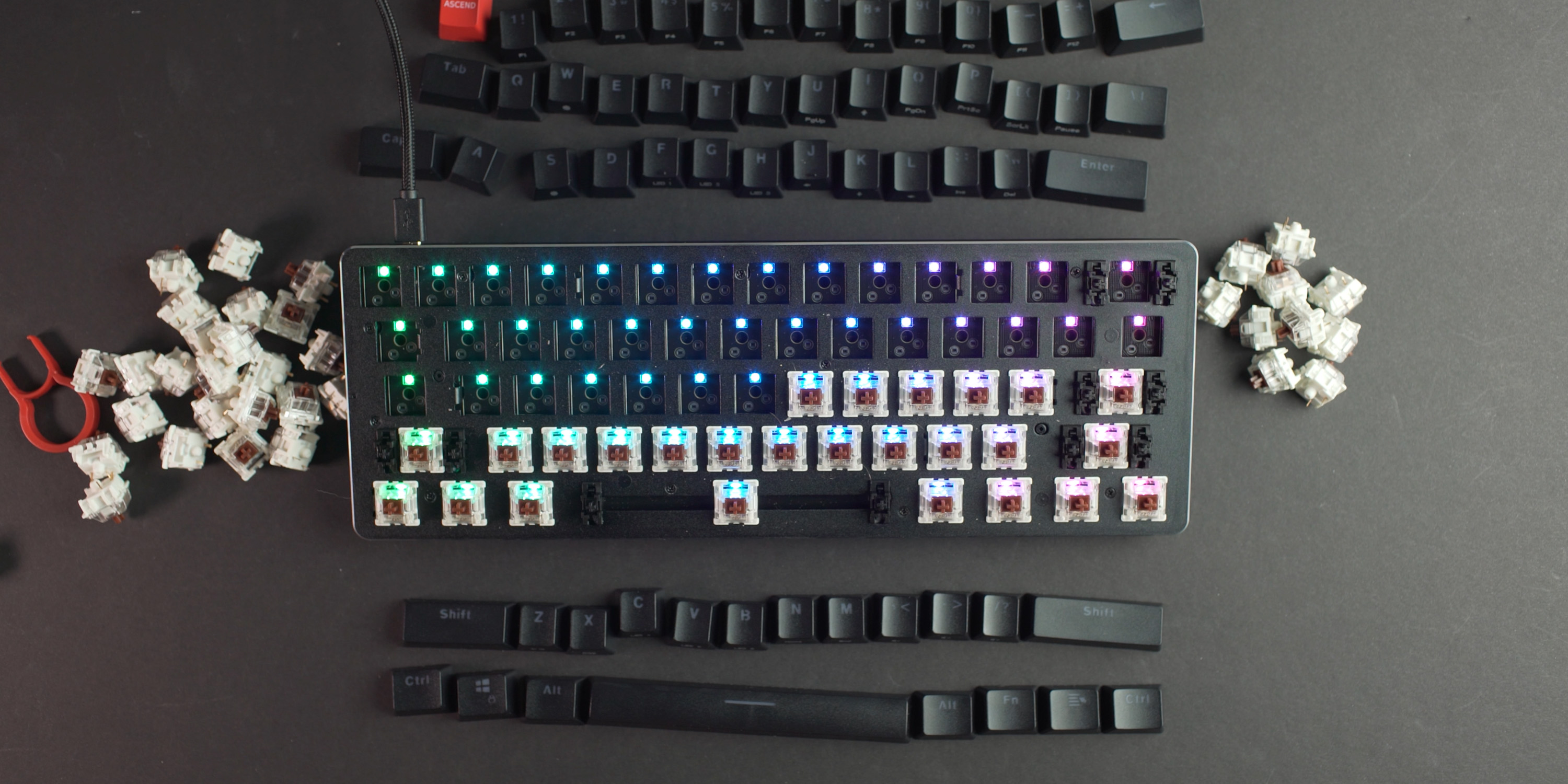 Swaping the switches on the Glorious GMMK Compact keyboard