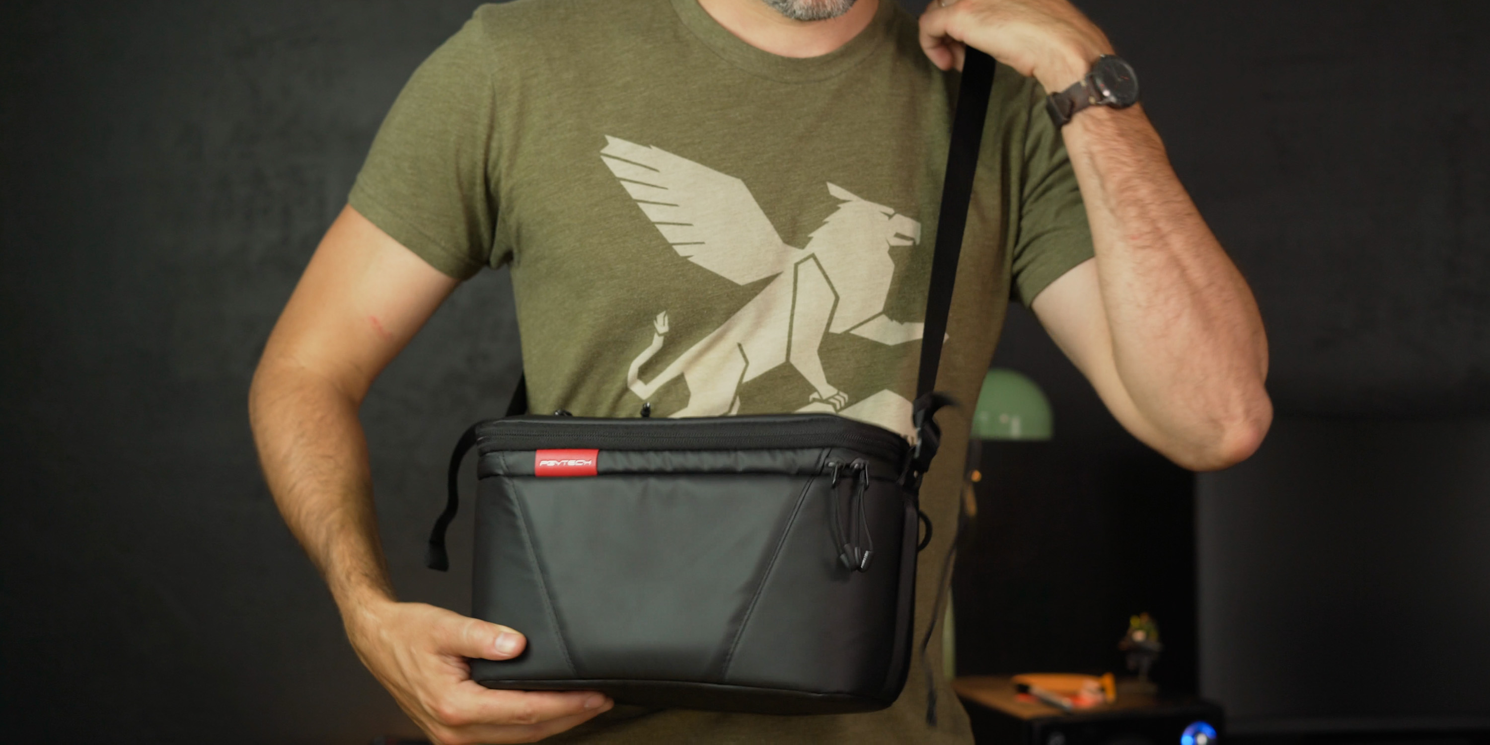 The OneMo camera bag also comes with a standalone shoulder bag