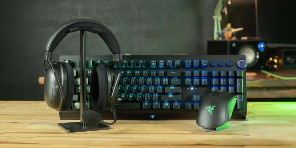 Razer's wireless flagship wireless peripherals on desk