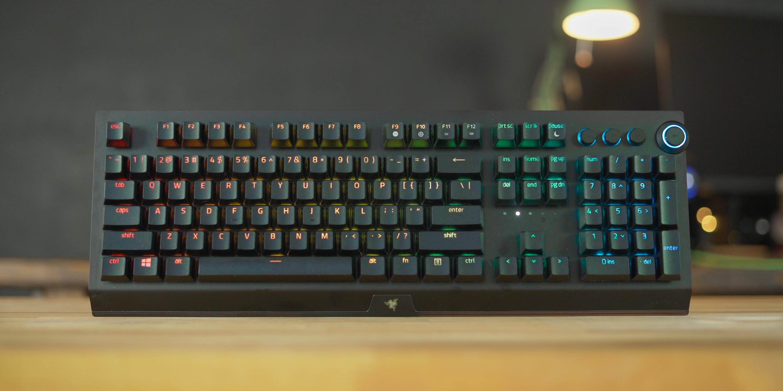Razer BlackWidow V3 Pro on desk
