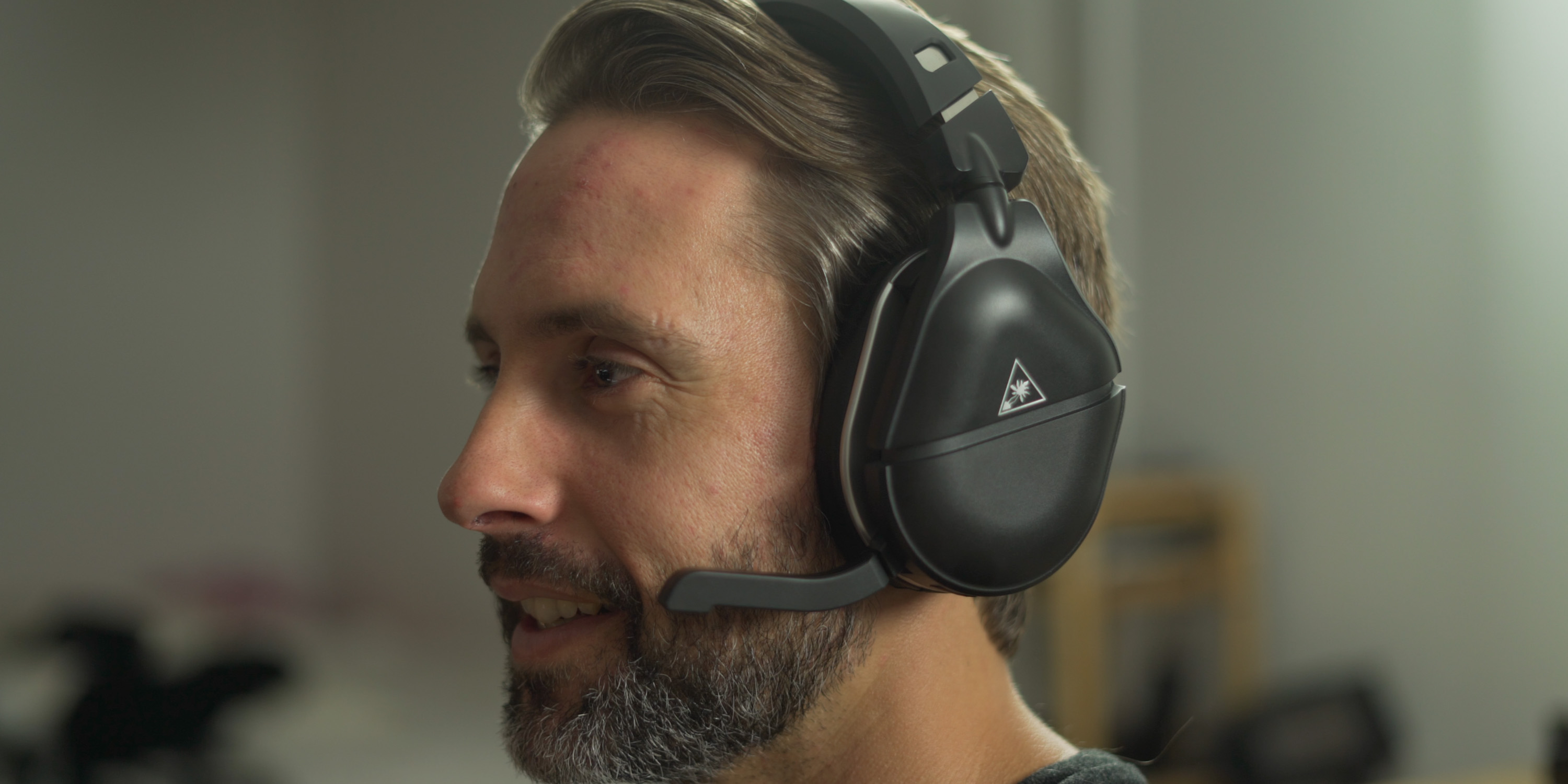 Using the microphone for the Stealth 700