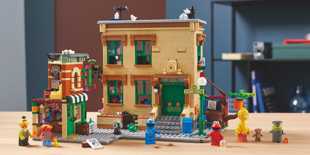 LEGO journeys to Sesame Street with new 1,300-piece Ideas creation