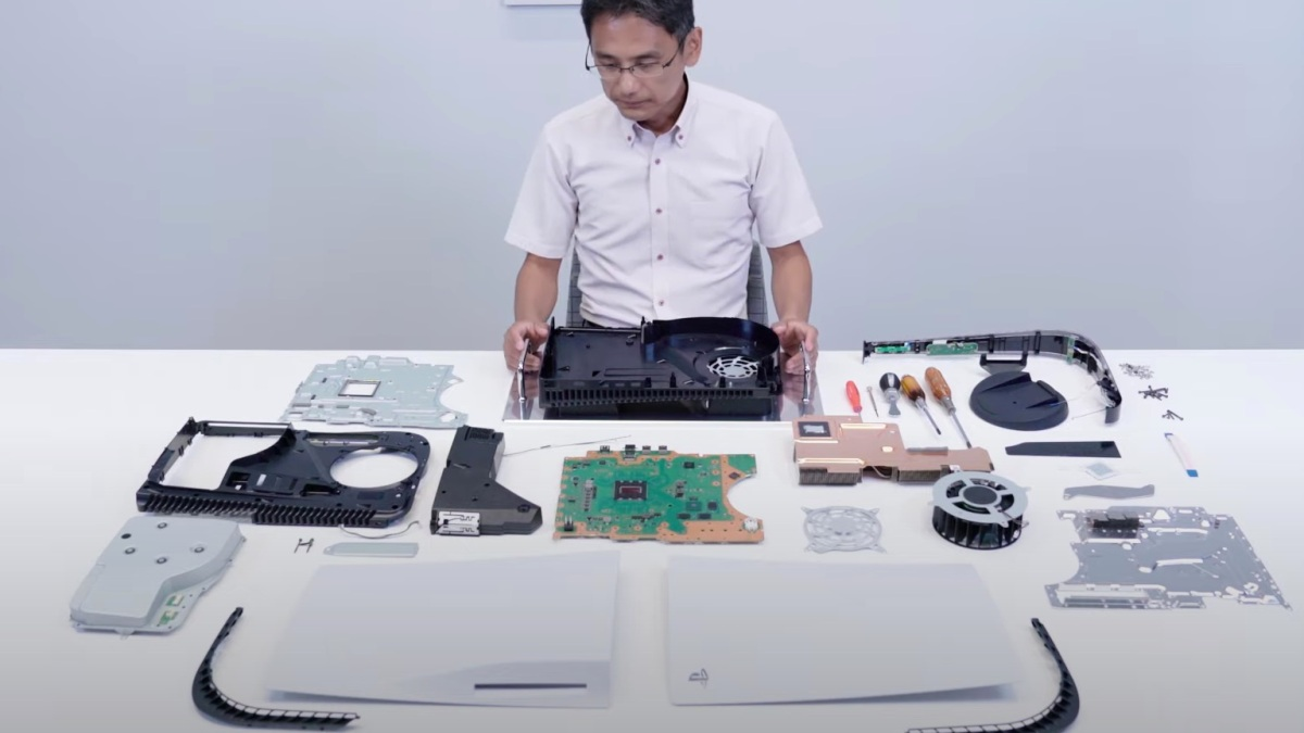 PS5 expandable storage and cooling system