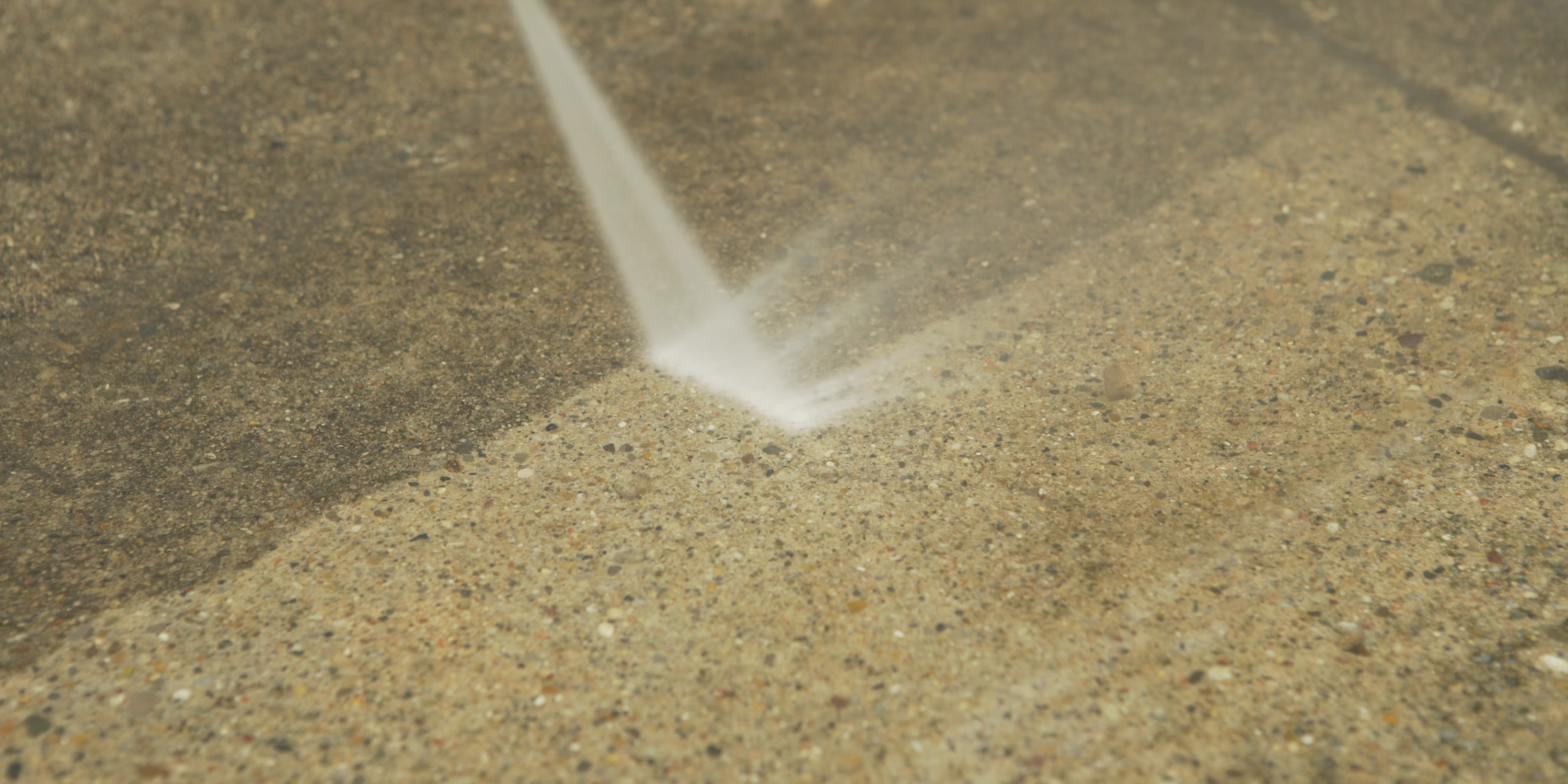 cleaning concrete with the Teande 3800PSI Pressure washer