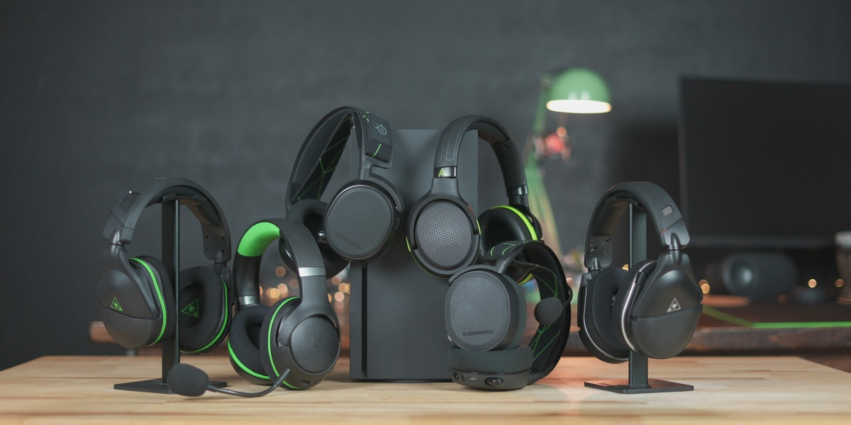 Headsets lined up for Xbox Series X headset comparison
