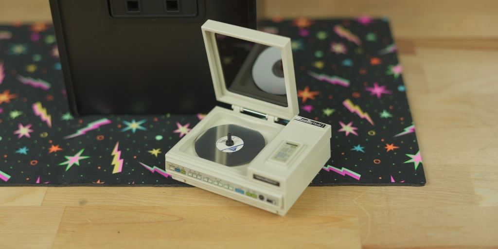 LaserDisk player from Dragon's Lair x RepliCade