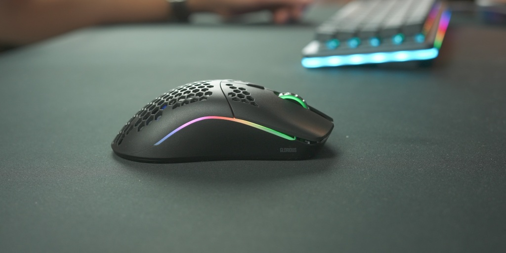 At only 69g, the Model O Wireless is great for FPS gaming.