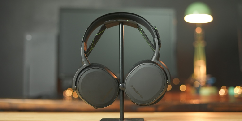 I haven't experienced any connection issues with the SteelSeries Arctis 7X