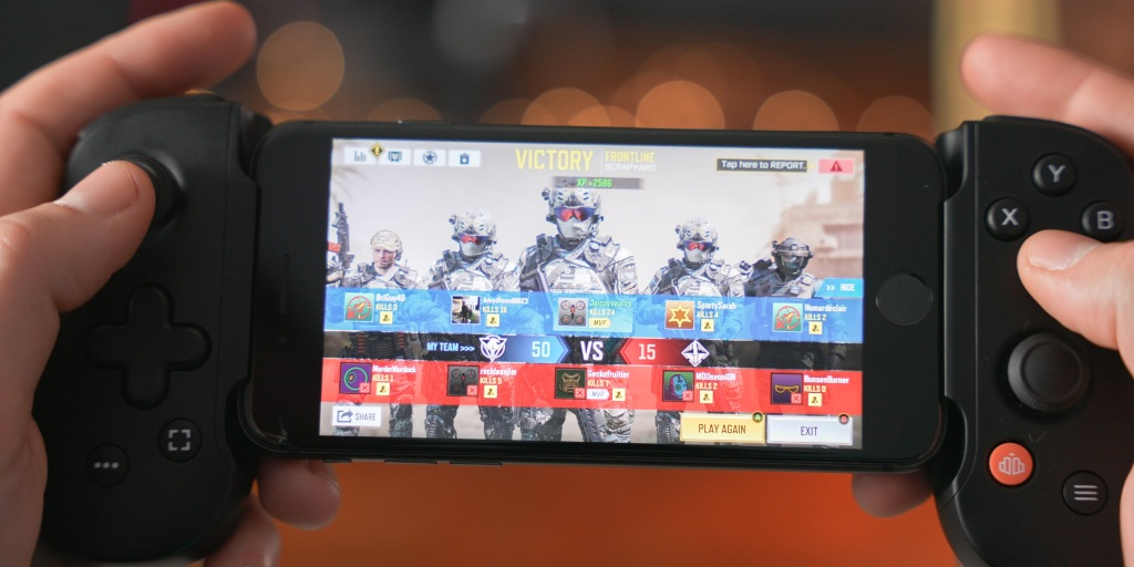 A controller makes FPS games much easier on a mobile device