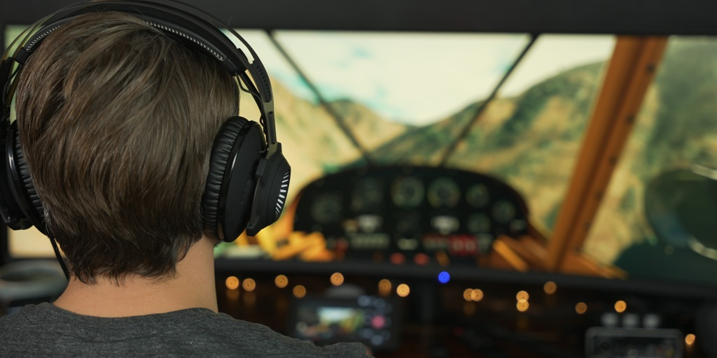 Using the headset while playing Flight Simulator