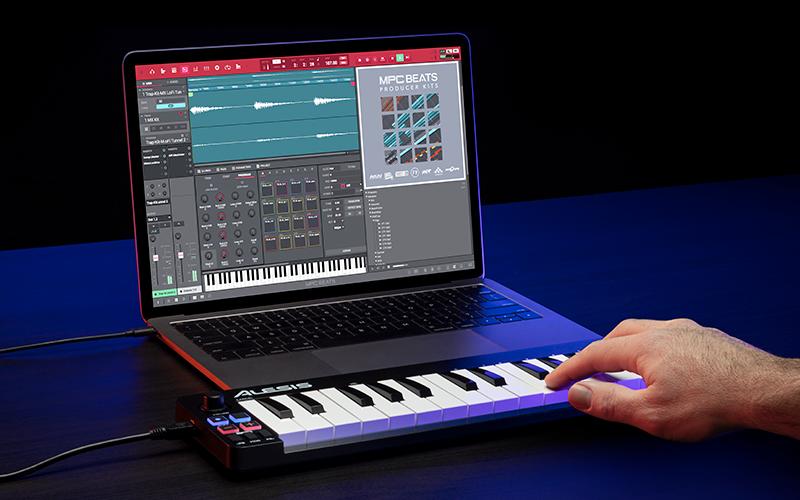 NEW Alesis Q mini MIDI keyboard