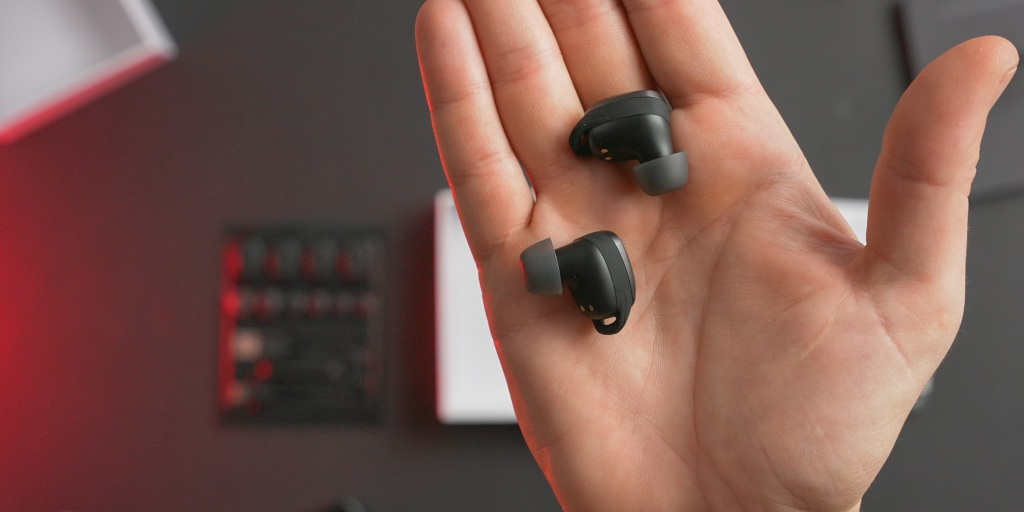 Simple design makes the EarFun Free Pro earbuds discrete and the buttons easy to find