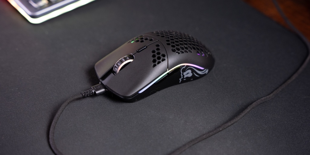 The Ascended cable feels light and flexible