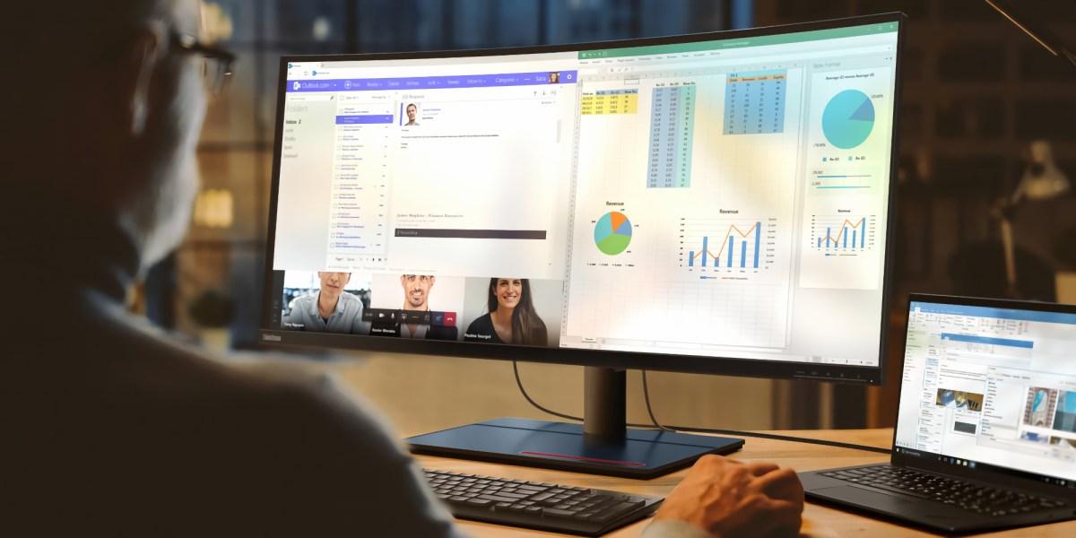 Thunderbolt 4 monitor