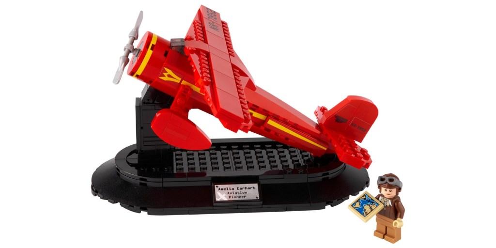 LEGO Amelia Earhart