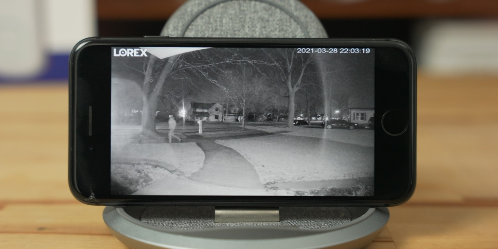 Night mode on the Lorex 2K Video Doorbell