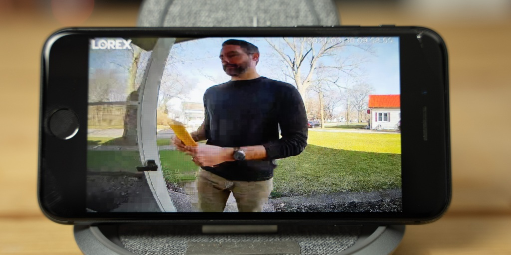 image out of the Lorex 2K Video Doorbell
