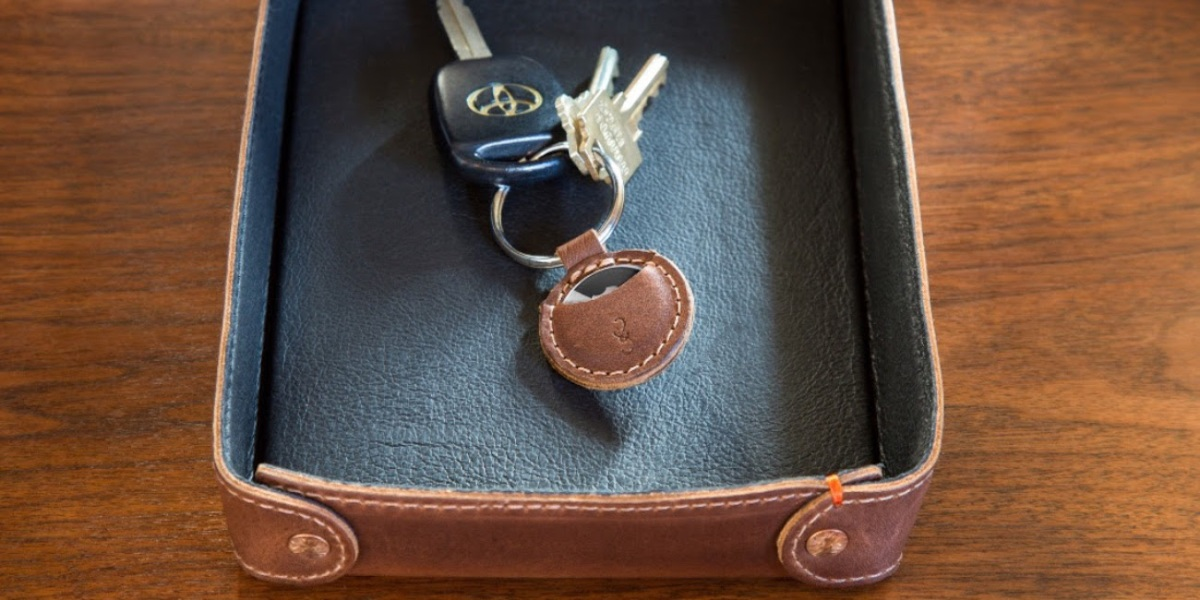 Pad & Quill leather AirTags keychain case hero
