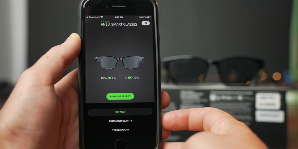 Adjusting EQ modes in the Razer Anzu app.