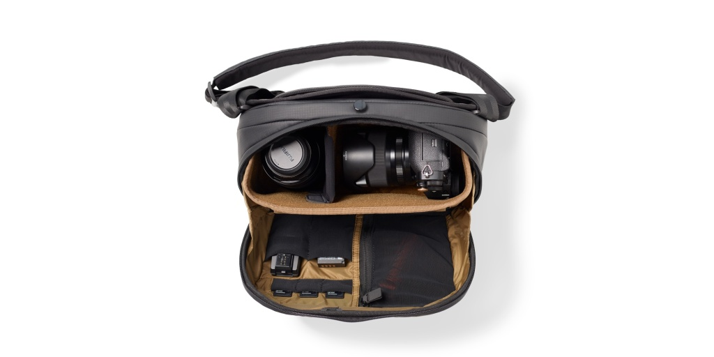 nomatic peter mckinnon 8l camera sling