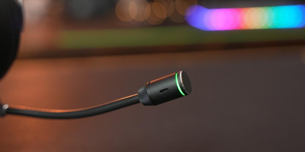 Microphone on the Corsair Virtuoso RGB Wireless XT