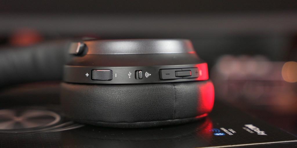Bluetooth controls make navigating the Corsair Virtuoso RGB Wireless XT simple.