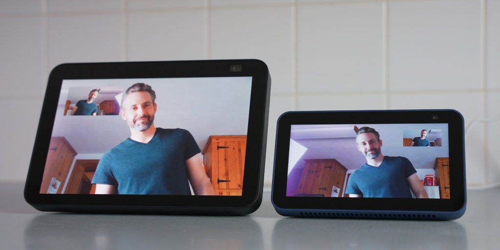 Comparing cameras by using the drop-in feature on the echo show 5 and 8 2nd gen.