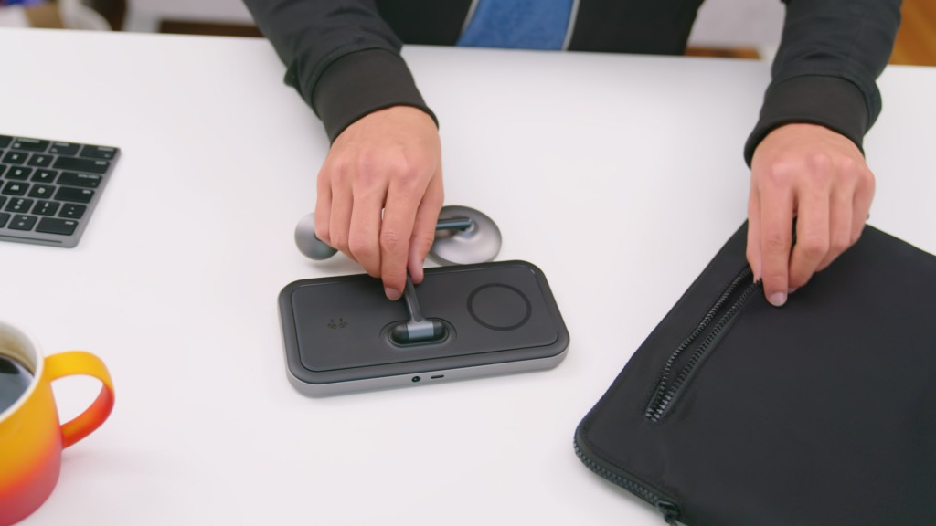 HyperJuice 4-in-1 Wireless Charging Stand foldable