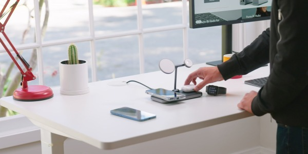 HyperJuice 4-in-1 Wireless Charging Stand