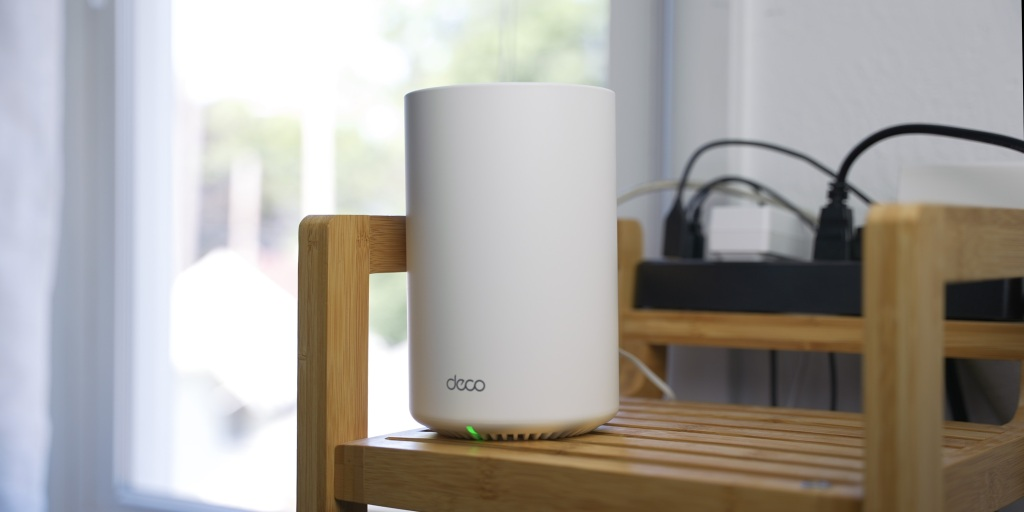 The TP-Link Deco X68 has a modern design that won't stand out like other routers.