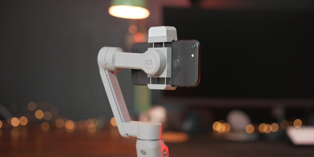 The Zhiyun Smooth-Q3 provide great stabilization