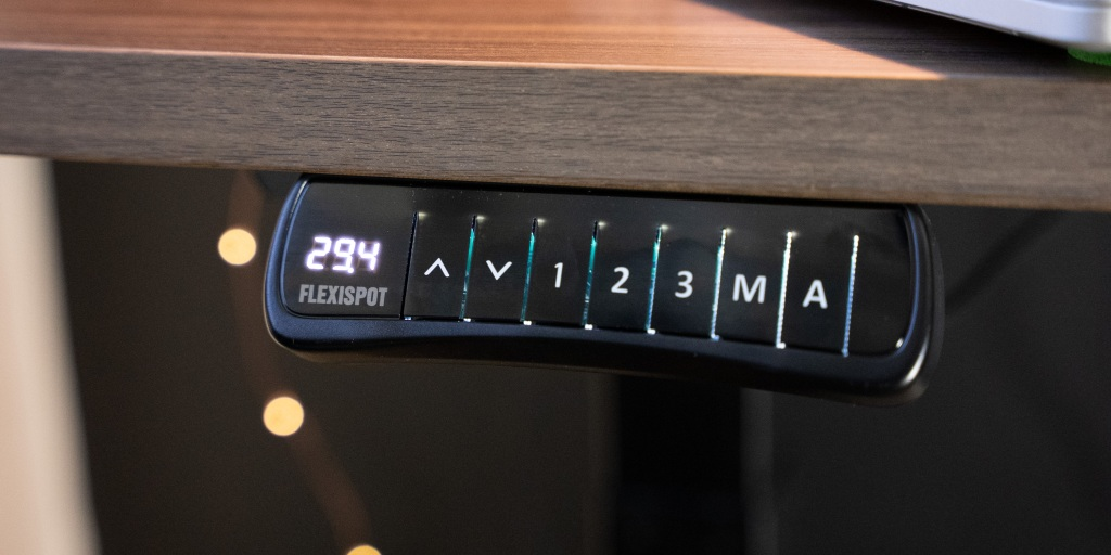 The controls are simple to use.